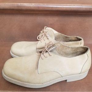 NWOT Giorgio Armani lace up casual shoes